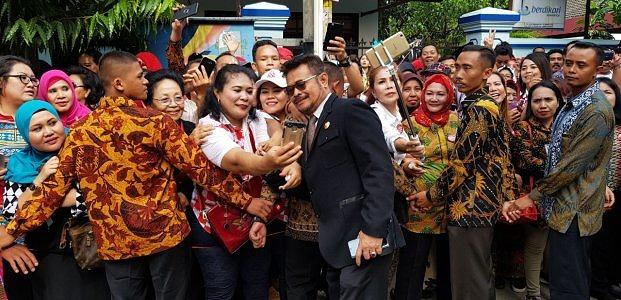 Gubernur Sulsel Hadiri Pernikahan Putri Presiden Jokowi