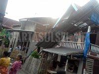 Cuaca Ekstrim, Puluhan Rumah Rusak Kena Angin Puting Beliung Di Galesong
