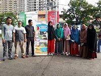 Guru dan Staff SIT Smart School Bagi Brosur Di Car Free Day Boulevard