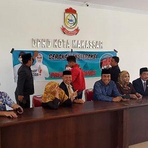 """Pemasangan Spanduk Paslon di Gedung DPRD Kota Makassar, Ketua Sapma PP Makassar : """"Ini Fasilitas Negara"""""""