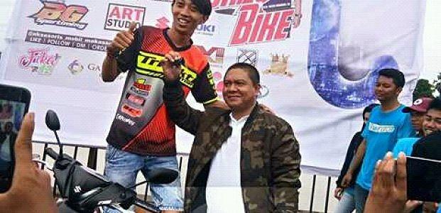 Drag Bike Capai Finish Di Sirkuit Parang Calele, Pandi Pendol Asal Semarang Raih Juara