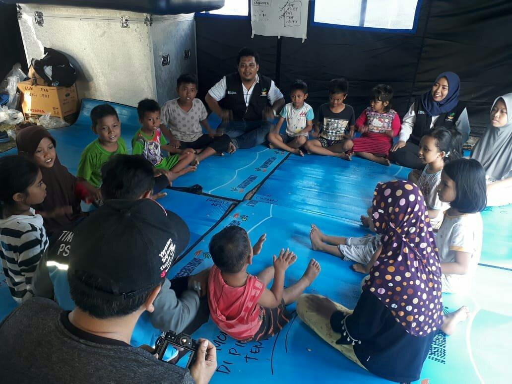 Di Palu, Tim Tagana Dinsos Makassar Menyediakan Konsumsi Hingga Evakuasi Korban